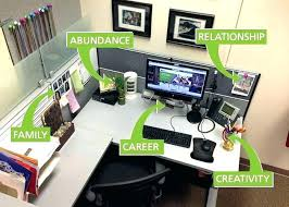 Office cubicle decoration themes Snow Cubicle Decoration Akpartikars Cubicle Decoration Themes Cubicle Cubicle Decoration Themes Green