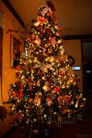 2. Tree with multicolored ...