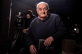 Известный художник, сценарист, режиссер и скульптор, основатель тбилисского театра марионеток (1981 год). Cjdrceezmpqxum