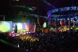 the holiday party for groupon employees and their guests took place at the aragon ballroom in