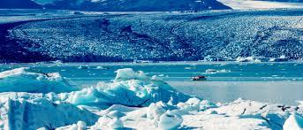 Sail through the icebergs in the Jökulsárlón Glacier Lagoon   Evaneos