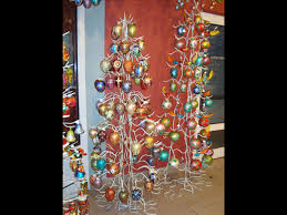 Christmas Tree Ornament Display Stands Beauteous Christmas Tree Ornament Display Stands Ornament Trees Gold Metal