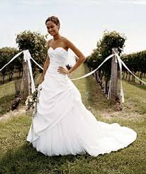 21 gorgeous wedding dresses (from $100 to $1,000!) funnywebpark Wedding Dresses Under 1000 21 gorgeous wedding dresses (from $100 to $1,000!) wedding dresses under 1000 chicago
