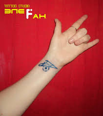 татуировка на запястье у девушки фк зенит фото рисунки эскизы