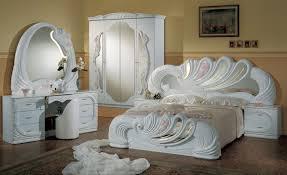 6 PC Vanity Italian Classic Bedroom Set in White Finish