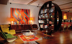 Good Amazing Vintage Living Room Idea With Round Bar Design