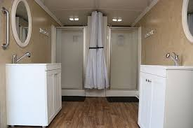 it contains two shower stalls