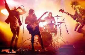 Sehingga dapat didefinisikan bahwa rock klasik merupakan sub dari genre musik rock yang menggabungkan suara rock yang digerakkan oleh gitar tertentu, dan dengan era waktu tertentu. Pengertian Musik Rock Sejarah Alat Musik Jenis Tokoh Dan Contohnya