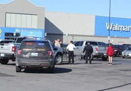 Three Dead In Shooting Outside Oklahoma Walmart Dont Miss