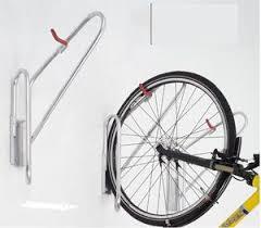 wall-mounted bike rack / steel