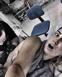материнство вдохновило агату муцениеце на третью татуировку