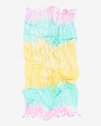 Toalla Playa Tie-dye Aguamarina from Bimba Y Lola on 21 Buttons