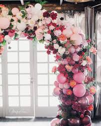 balloon and fl wedding arch what an interesting way to use balloons