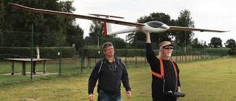 Segelflieger Aus Edewecht: Traum vom Fliegen am Modell erleben