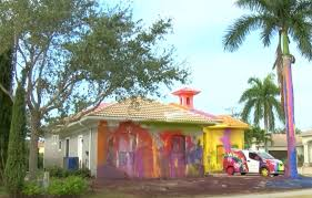 Unsightly and obnoxious': Florida man gives his $500k home a very  noticeable paint job | The Independent | The Independent
