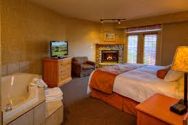 the fireplace jacuzzi suite