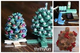 Piñas Decoradas Con Maceteros  Artesanías Navideñas  Pinterest Pine Cone Christmas Tree Craft Project