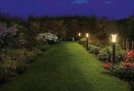 outdoor lighting fixtures for lighting a path