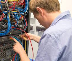 Обзор <b>коммутатора TP-LINK TL-SG1024DE</b>: подключи и работай