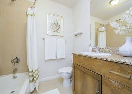 Designing-A-Small-Bathroom-Ideas-And-Tips-2 Designing