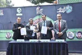 VIDEO Firman convenio de colaboración el #WBC y el movimiento  #FuerzaMigrante – EEE!
