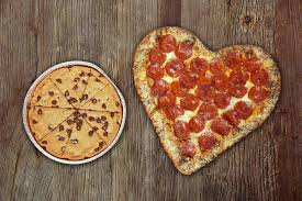 where to get heart shaped pizza a k a the best valentine s gift ever