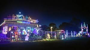 delights lighting. Christmas Lighting Dazzles And Delights