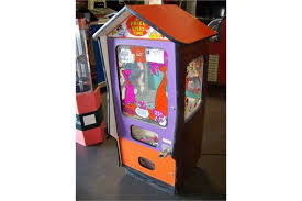 Egg Vending Machine Simple FLINSTONES LUCKY EGG PRIZE VENDING MACHINE Item Is In Used Condition