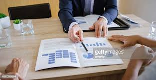 46,522 Financial Advisor Photos and Premium High Res Pictures - Getty Images