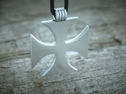 crusader cross pendant jdxbudbgw by