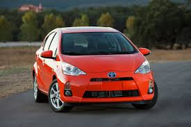 New 2012 Toyota Prius C Hybrid Gets 53 MPG, Photos and Details