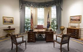 oval office furniture. C\u0026O Desk Oval Officefilebush Library Office Replica Wikimedia Commons Furniture L