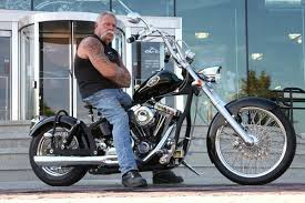 young students to help paul teutul sr build the wyotech chopper
