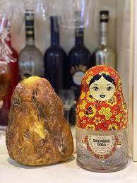 Rượu Búp Bê Châu Âu Vodka Matrioska Nga - Em và hổ phách đá .