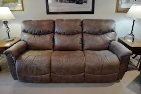 lay z boy sofa. Plain Lay LaZBoy  James Reclining Sofa To Lay Z Boy Harris Family Furniture