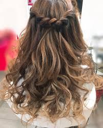 キャバ嬢の髪型ヘアスタイル17選ショートやボブのアレンジは Belcy