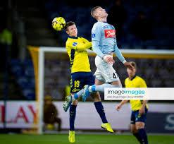 Broendbys Morten Frendrup og SoenderjyskEs Artem Dovbyk under Sydbank  Pokalkampen mellem Broendby IF