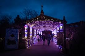 Zoo Lights Columbus Ohio 2018 Wildlights To Open Friday At Columbus Zoo View From The Pugh