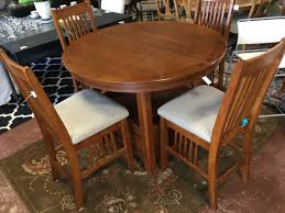 oak 4 round table with erfly leaf