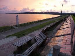 「世界一長いベンチ夕日」の画像検索結果