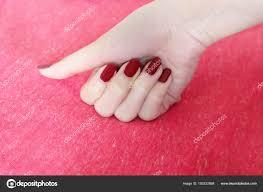 Krásná žena Rudé Nehty ženská Ruka červenými Nehty Manikúra