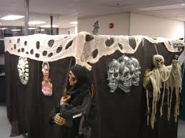 office halloween themes. Unique Halloween Impressive Halloween Decorations For Cubicles 15 Decoration Ideas Office  Desks Intended Themes