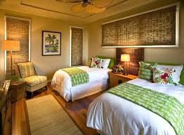 attractive themed bedroom cottage style tropical room decor hawaiian wall island chain wall cals and art