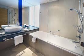 Queen Hilton Guestroom - Picture of Hilton Manchester Deansgate ...