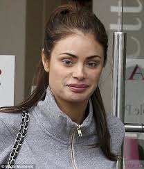 chloe sims looked pretty without make up in es yesterday