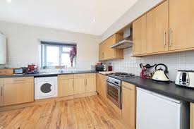 2 Bedroom Furnished Flat To Rent On Goldhawk Road, London, W12 By Private  Landlord