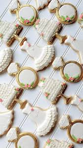 Pin by Priscilla Gregory on Wedding | Bridal shower cookies, Wedding  cookies, Cookie decorating