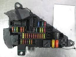 trunk mounted engine fuse box block panel bmw 645 convertible e63 trunk mounted engine fuse box block panel bmw 645 convertible e63 04 05 6956505