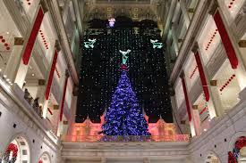 Macys Light Show Philly Macys Christmas Light Show And Dickens Village Returns