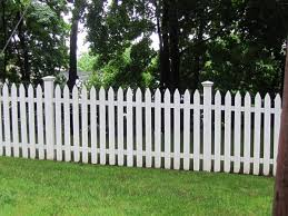 white picket fence. Here\u0027s A White Picket Fence With Square Posts And Toppers.